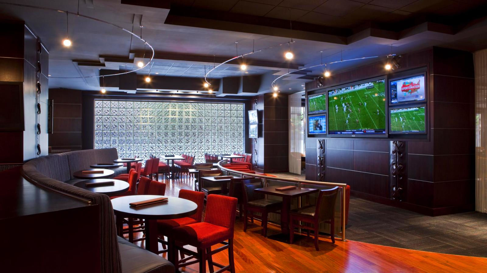 Draft Sports Bar U0026 Lounge. Sheraton Dallas   Draft