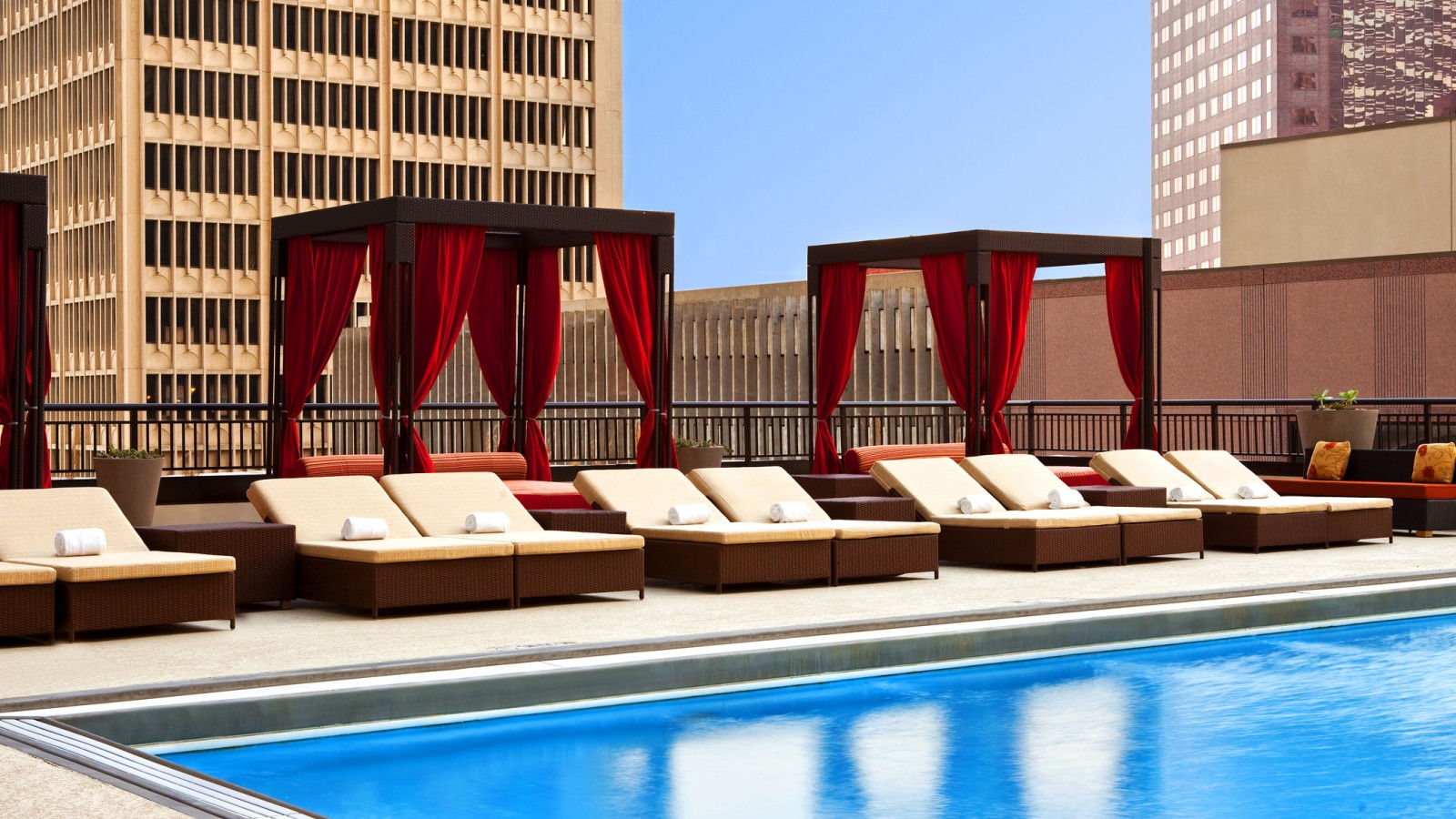 Sheraton Dallas Hotel - Rooftop Pool